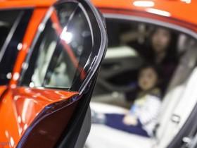 Dupont和Exxon用新型TPV为汽车转角密封条提供粘接