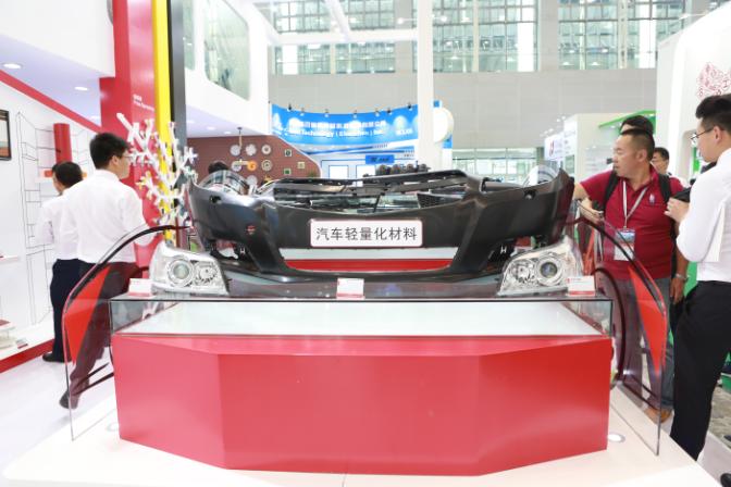 新能源汽车极速扩张推动轻量化材料应用