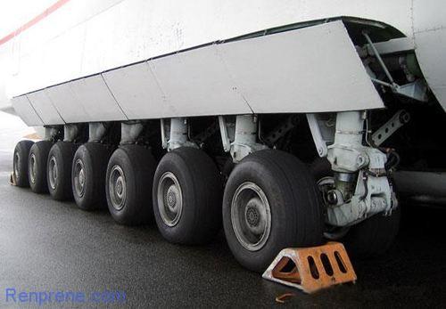 飞机轮胎是实心的吗?
